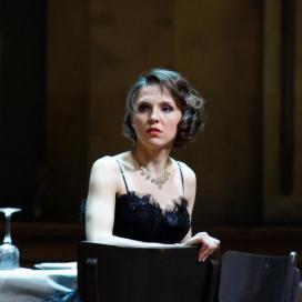 Olesya Golovneva as Violetta