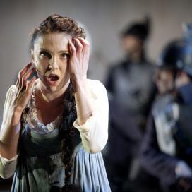 Olesya Golovneva as Luisa